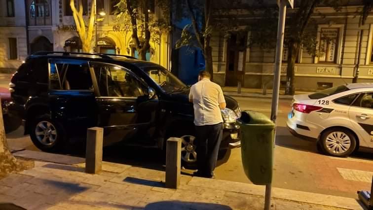 ვანდალური აქტი აღმაშენებლის გამზირზე – ბიდისი აკადემიის დირექტორს ნათია შათირიშვილს მანქანა დაუზიანეს